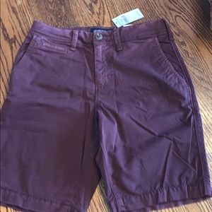 Young men American Eagle shorts w tags. Waist 26